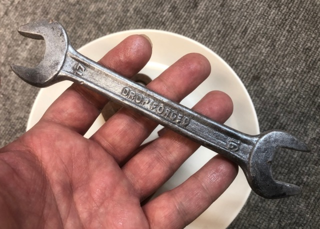 これがチョコってマジ? 工具にしか見えないチョコレートを買ったら細部まで完璧でビビった