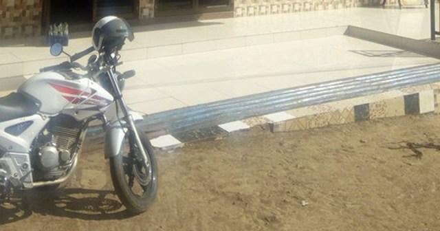 タンザニア警察の白バイが超カッケー / マサイ通信:第356回
