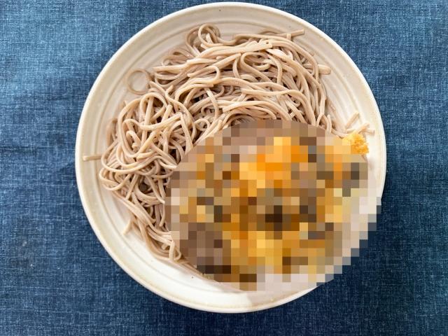 【閲覧注意】コオロギをかき揚げにした「コオロギ天そば」を作ってみた結果… / 立ち食いそば放浪記:第228回