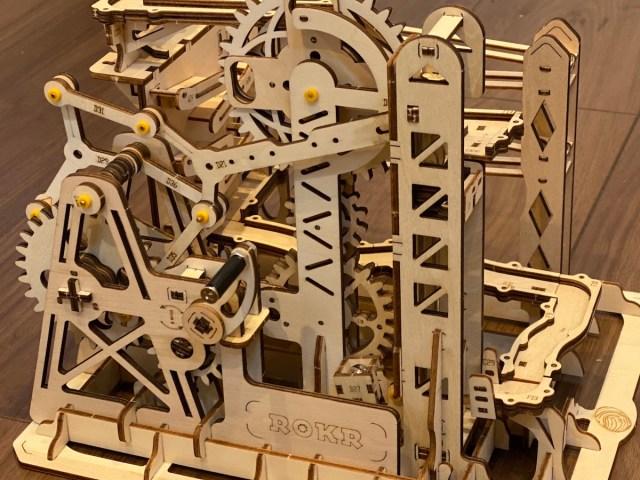 スチームパンクな木製キット「マーブルコースター」を作ってみた! ピタゴラスイッチな動きから貴方はもう目を離せない