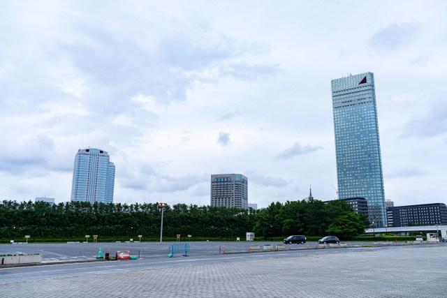 高層ホテルに泊まってみたい → 国内で最も高いホテルに2500円で泊まれるらしい → 泊まってみたところ…