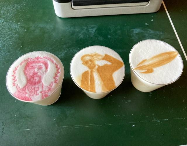カフェラテに鮮明に絵を描けるプリンター「リップルメーカー」がすごい! スマホの画像も高速で描けるぞ~!!