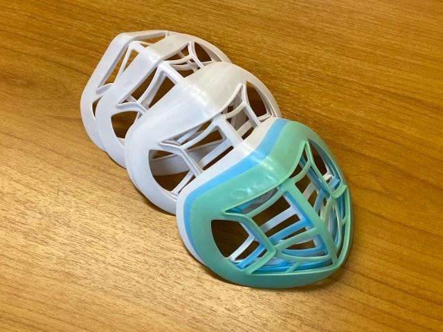 【マスク詐欺】息苦しさを解消しようと「マスクホルダー」を使ったら顔面レベルが上がった