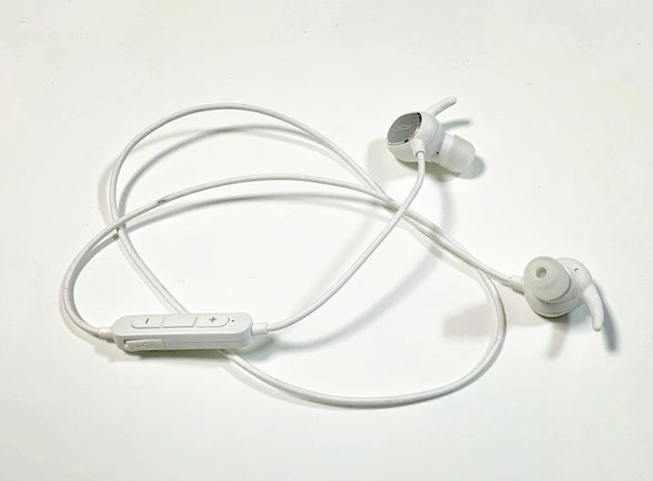「QCY ワイヤレスイヤホン」の商品写真