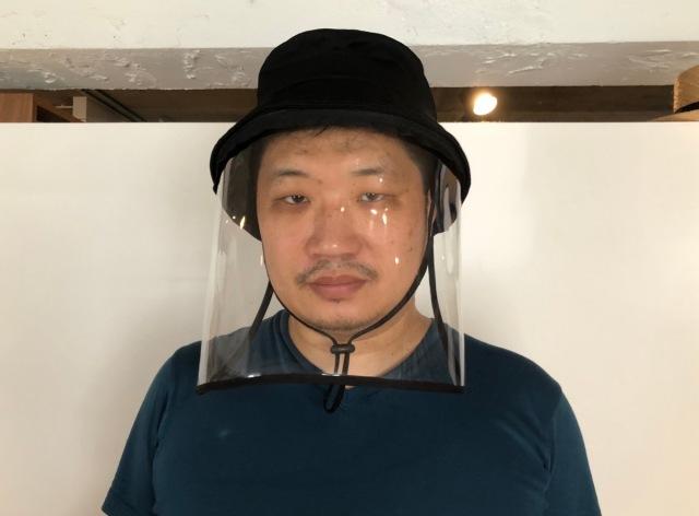 マスクのように密着しない!『着脱できるフェイスシールド帽子』が自分の中で最強だった / 感想「つばが長いキャップみたいなもん」