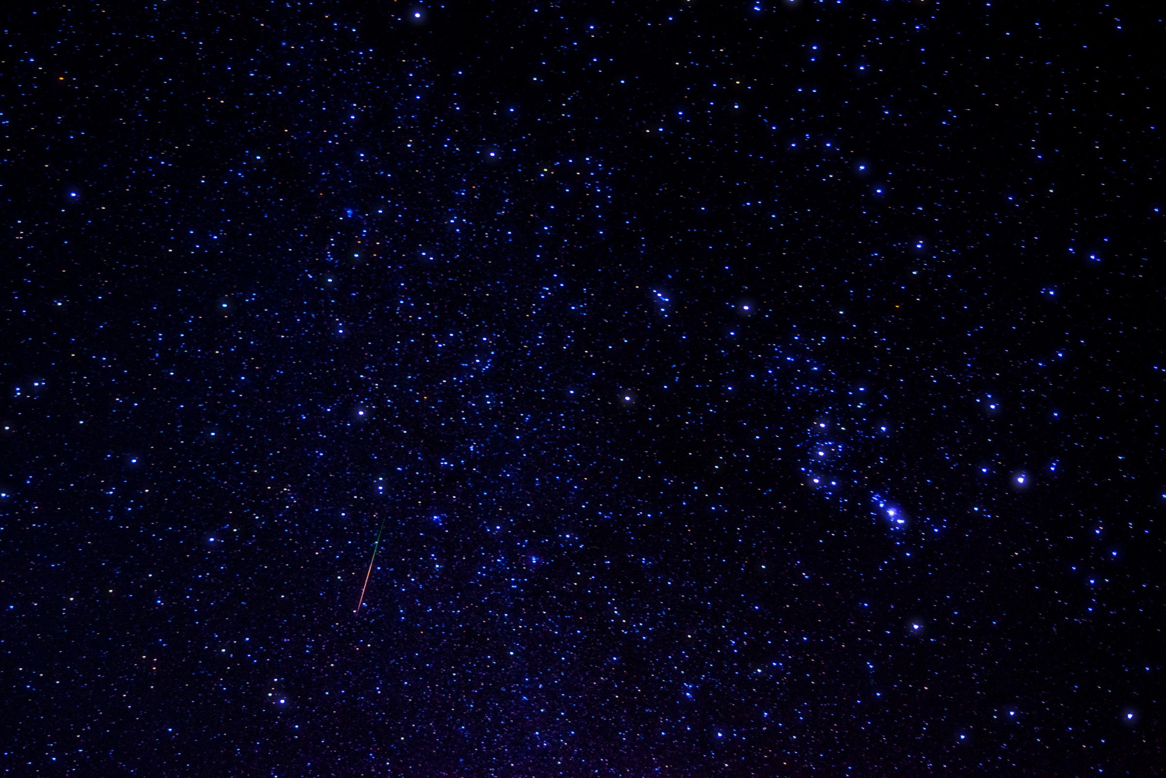 今夜はオリオン座流星群が見ごろ! ただし今年の観測難易度は高めなもよう / 確実に観測するためのいくつかの方法
