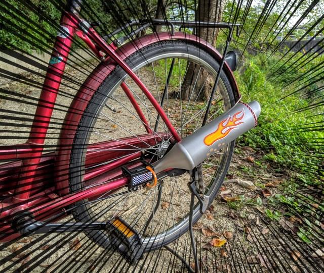 【ママチャリ改造】取付簡単「自転車マフラー」が超カッコイイ! 切れのあるレーシーなサウンドがたまらない!