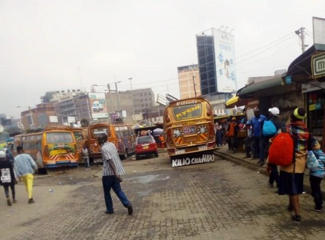 【ケニアふれあい街歩き】ナイロビの長距離バスターミナルでスリに狙われやすいのはこんな一瞬 / カンバ通信:第39回