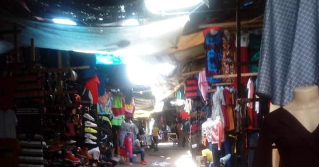 【ケニアふれあい街歩き】これがケニア最大の古着市場「ギコンバマーケット」だ! カンバ通信:第37回