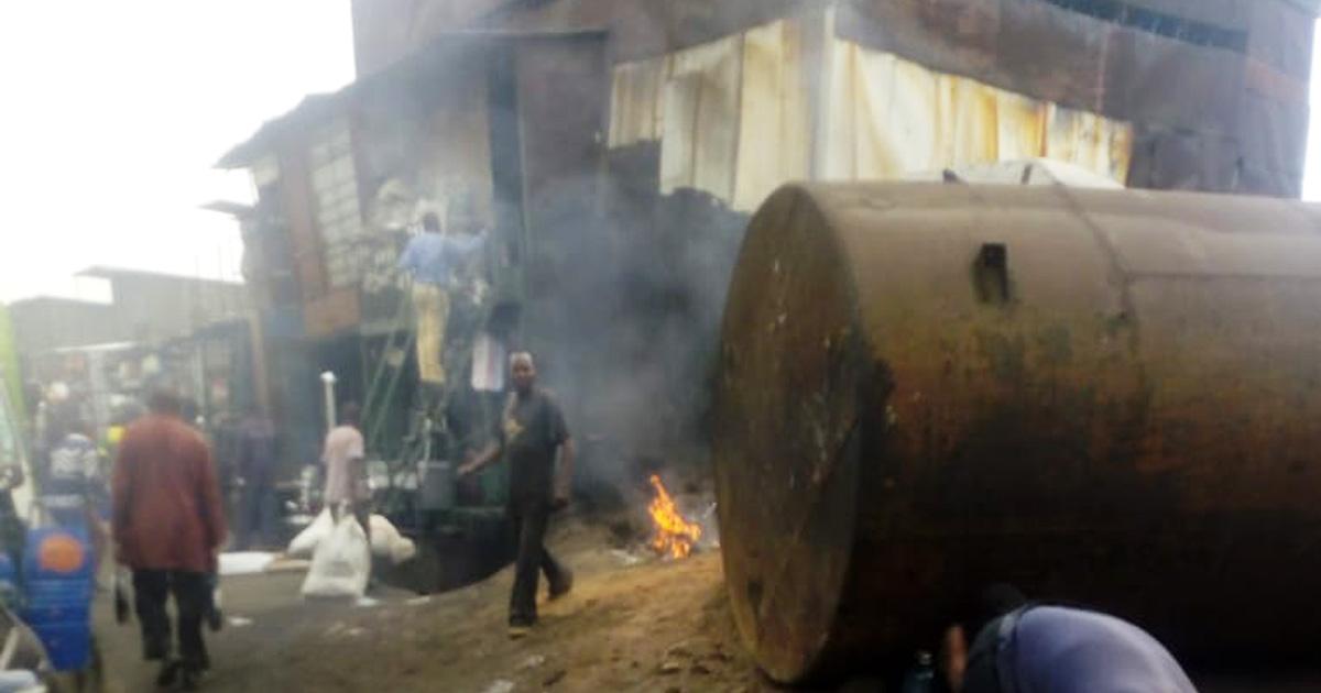【ケニアふれあい街歩き】金属加工の職人地帯「ジュアカリセクター」は見学も買い物もOK牧場 / カンバ通信:第38回
