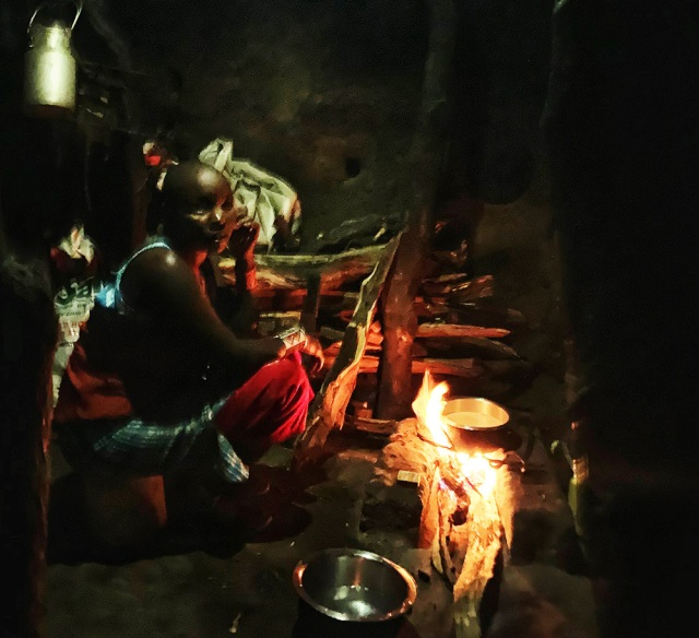 マサイ族はどうやって火を起こす? マサイ通信:第424回
