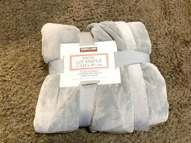 1枚わずか1598円! 「コストコの毛布」のコスパが密かにぶっ飛んでいた