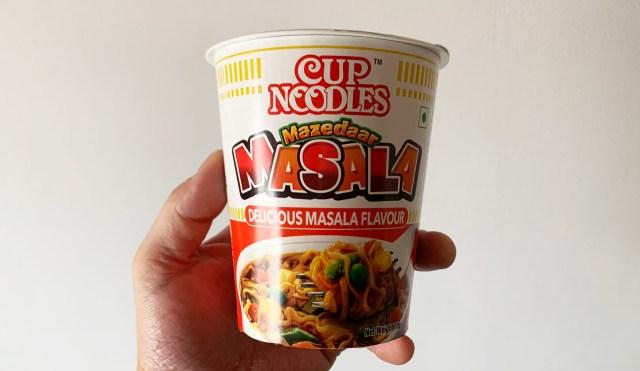 インドの日清が販売している「カップヌードル マサラ味」を食べてみたら日本のカレーヌードルとは全然違った