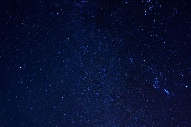 三大流星群の一つ「ふたご座流星群」の活動がピーク! 12月13日夜から14日未明にかけてが見ごろ