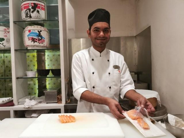 【現地レポ】インドの回転寿司は超高級料理だった! だんだん「日本の方がヘンかも」って気がしてきたぞ…