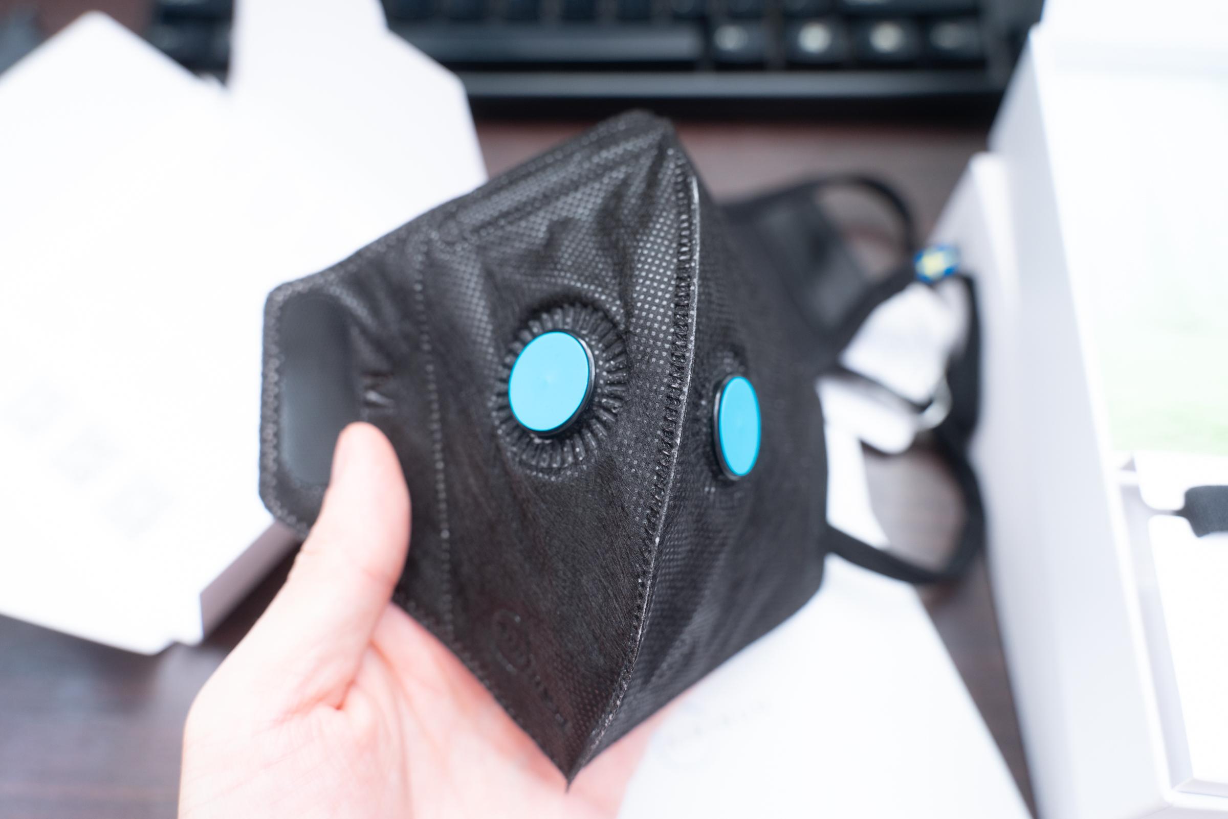 MoMAデザインショップで約8000円もするマスクを買ってみた → 値段もスゴいがスペックも使用感もスゴかった / Airinum Urban Air Mask 2.0