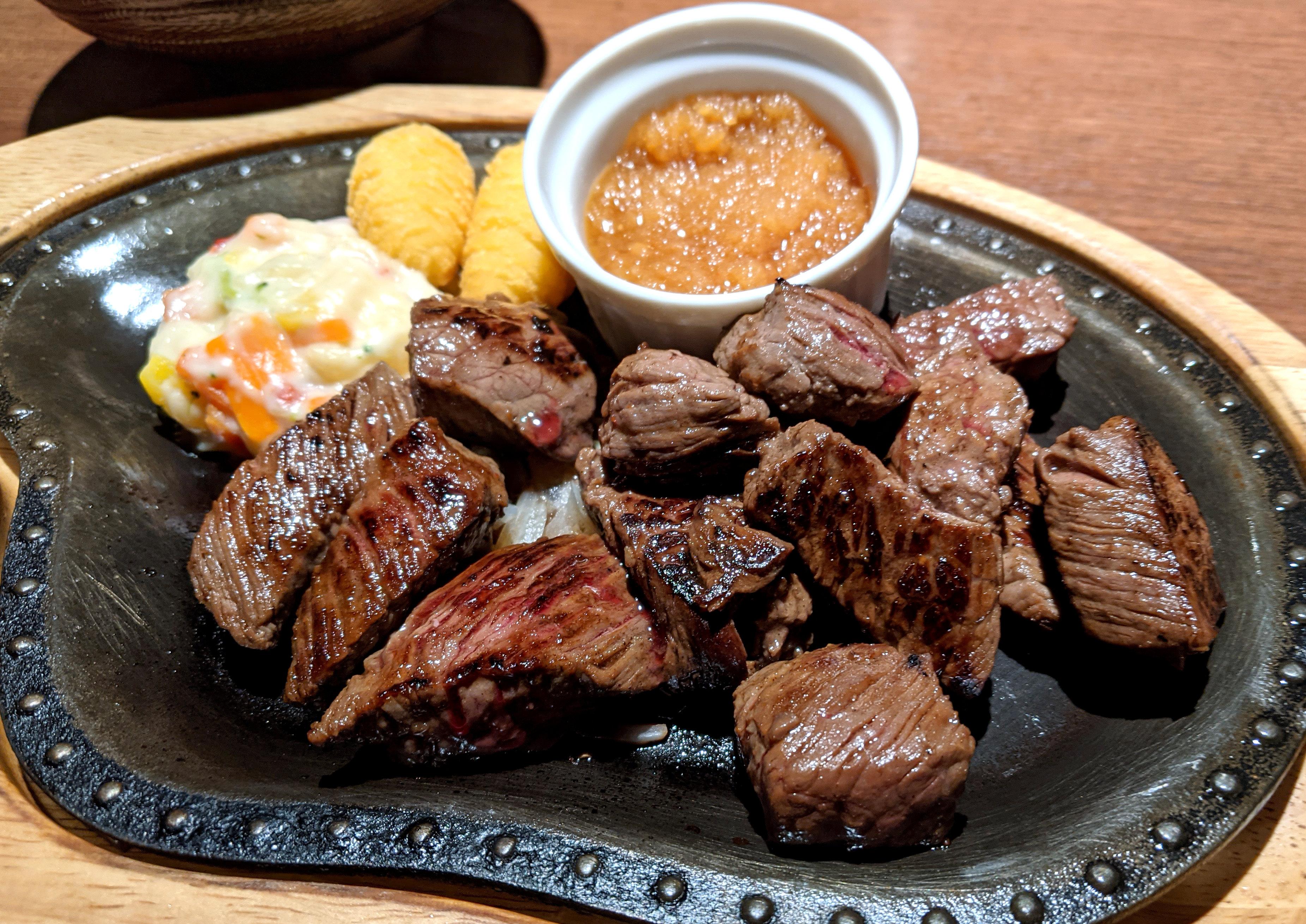 """知ってた? びっくりドンキーは「ステーキ」も美味い!! 期間限定で """"肉増し"""" をやってるぞ~!"""