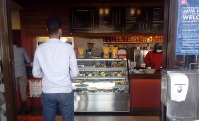 【美味くてオシャレ】これが「ケニアのスタバ」ことケニアで最も有名なカフェ『JAVA HOUSE(ジャバハウス)』だ!! カンバ通信:第62回