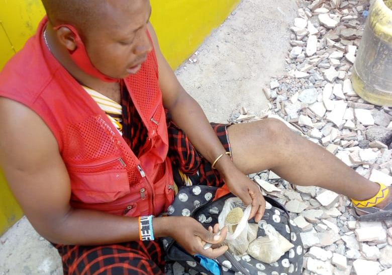 ケニア・ナイロビのタクシー運転手がマサイ式の「やくそう」を絶対に買わない理由 / カンバ通信:第58回