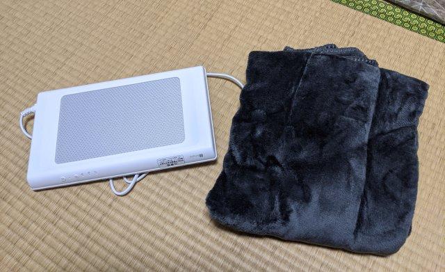 【検証】ニトリの「くっつけられるマグネットヒーター」でデスクをコタツ化してみた結果……