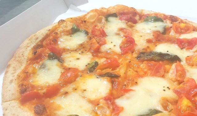"""【宅配ピザ】この機会に「ナポリの窯」を初めて食べてみた / 御三家を明確に上回る """"ある特徴"""" について"""