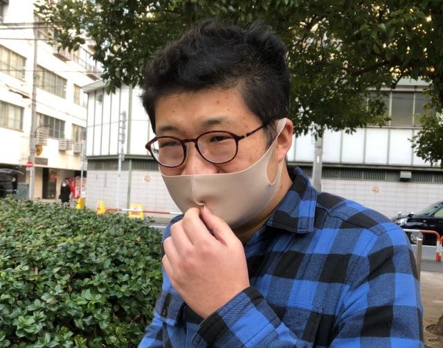 【検証】消臭マスクを装着すれば「吐き気を催すほどクサい息」でも他人に気づかれないのか?  ニンニクチューブを使って確かめたら…波乱が起きた