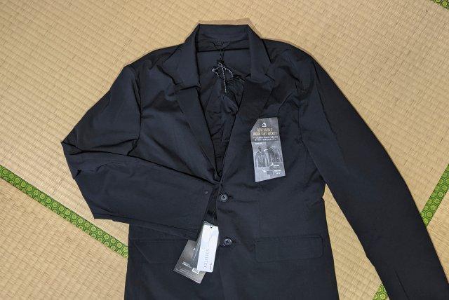 【こりゃ売れる】ワークマンの「上下合わせて4800円のスーツ」が多機能すぎてヤバい! リバーシブルってマジか!!