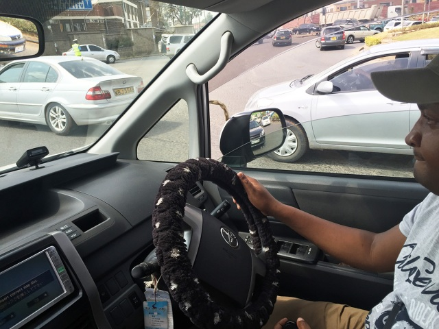 アフリカで一番有名な日本語が「ETCカードが挿入されていません」というのは本当か? ケニアのタクシー運転手に聞いてみた! カンバ通信:第66回