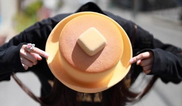 """「ホットケーキ」みたいな帽子を発見! 可愛いし美味しそう~!! → 作り手のKENTさんに """"誕生秘話"""" など伺ったよ"""