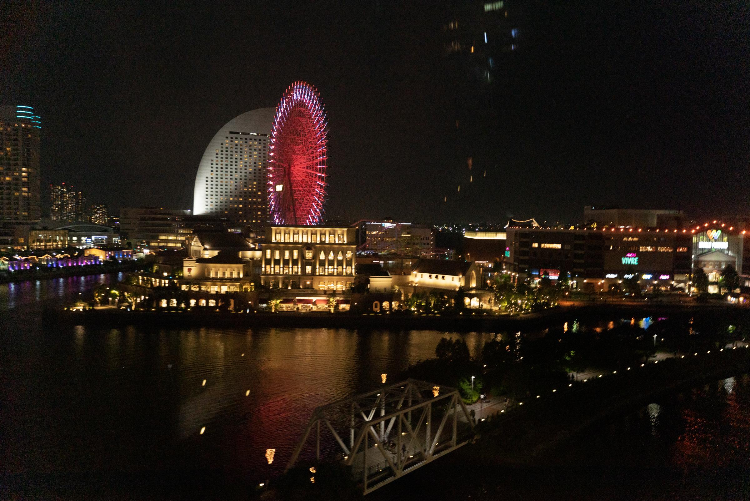 ロープウェイ みなとみらい 横浜ロープウェイ桜木町駅と運河パーク駅から空中散歩!乗ってみた感想とみなとみらいの景色  