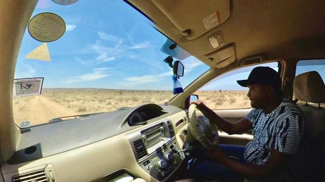 質問「ケニアで走る自動車の寿命はどのくらい?」に対するナイロビのタクシー運転手の回答は「40年以上」 カンバ通信:第83回