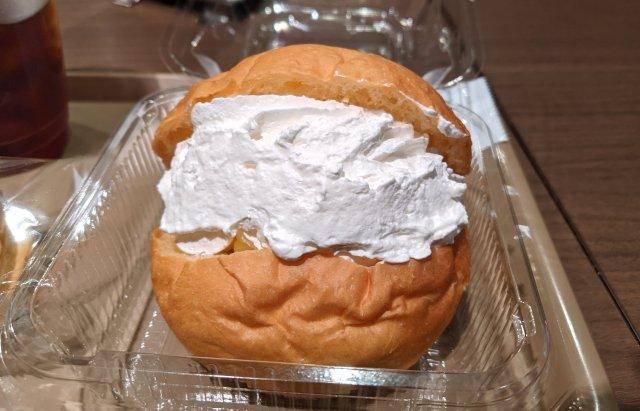 【大本命】デイリーヤマザキの「デイリーベーカリー」で販売しているマリトッツォのクリームがスゴイ! 舌がクリームで溺れるレベル