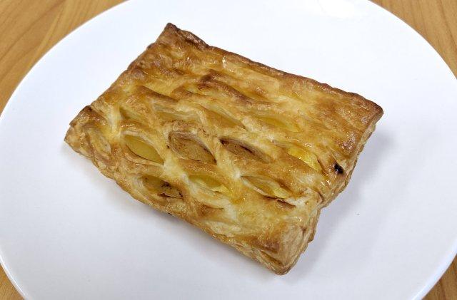 ウマいと噂の『スーパーオオゼキ』のアップルパイを食べたら、「これが100円!?」と思わざるを得なかった……
