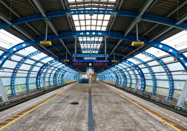 【横浜】田畑が広がるエリアにポツンと存在する「ゆめが丘駅」がまるでSF映画の舞台 / 関東の駅百選にも認定されたタイムトンネル的不思議空間に行ってきた