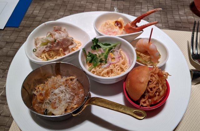 【超グルメ】京王プラザホテルが「カップヌードル」を全力でアレンジしたら、この世で1番美味い『カレーヌードル』が完成した!