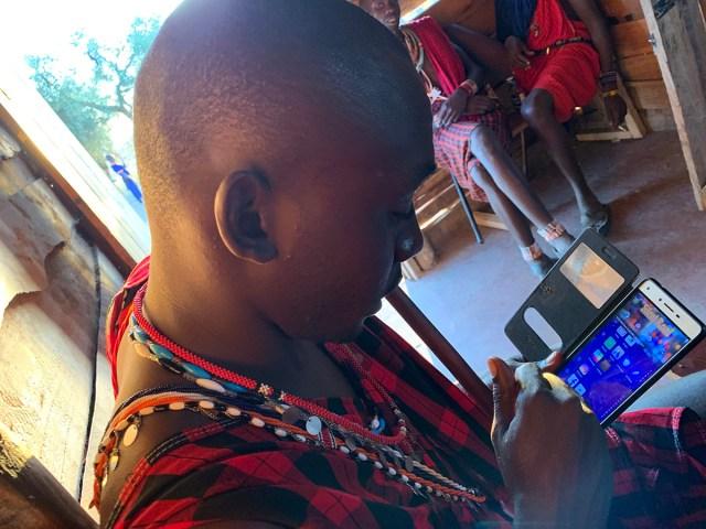 「マサイ族は間違い電話を利用して友人やビジネスパートナーを作る」は本当か? マサイの戦士に聞いてみたところ意外な回答が / マサイ通信:第487回