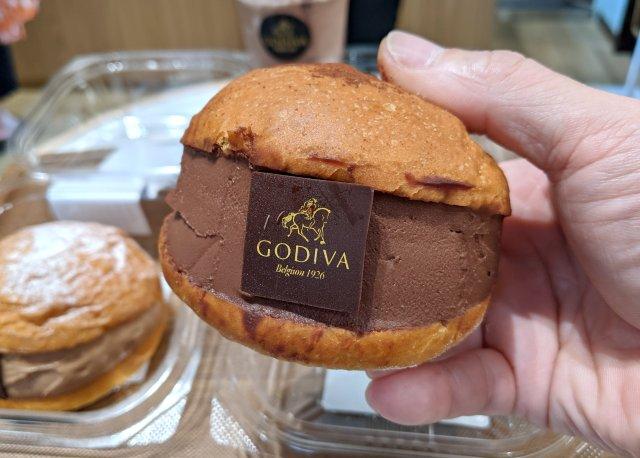 【激ウマ】ゴディバの「マリトッツォ」がついに発売開始! この美味しさは金メダル級だーッ!!