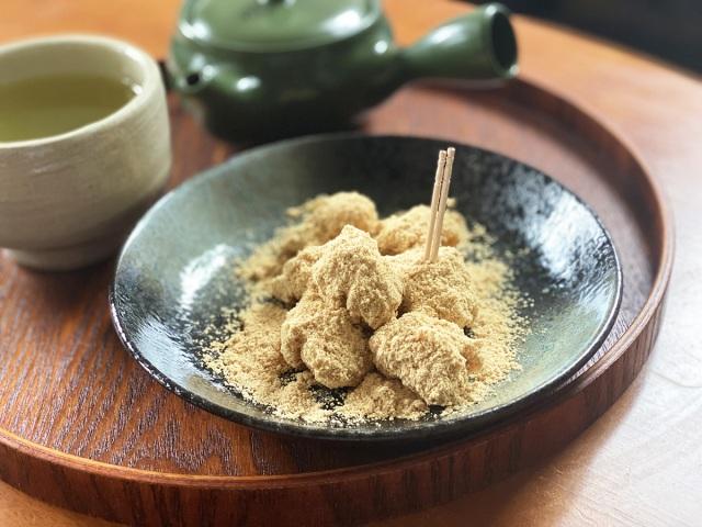 【超簡単オートミールレシピ】米化ならぬ「餅化」!! きなこ餅を再現した「コロコロきなこオートミール」の作り方