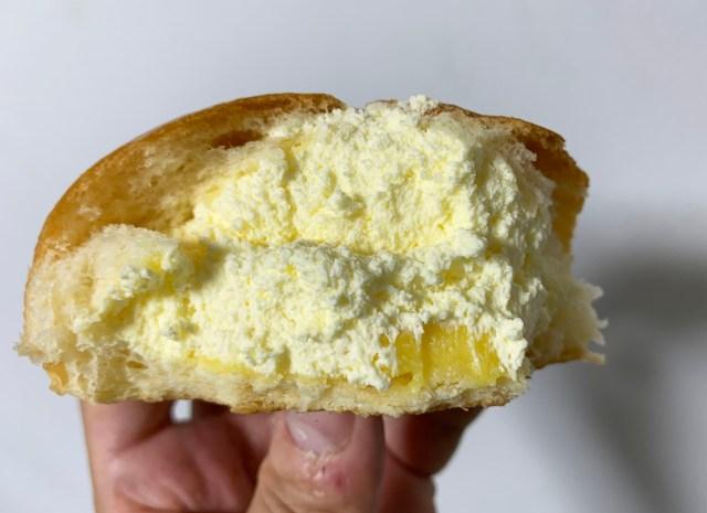 【期間限定】ヤマザキの「ダブルカスタードクリームパン」最強すぎィィィイイイ! クリームが詰まりすぎてシュークリームも嫉妬するレベル!!