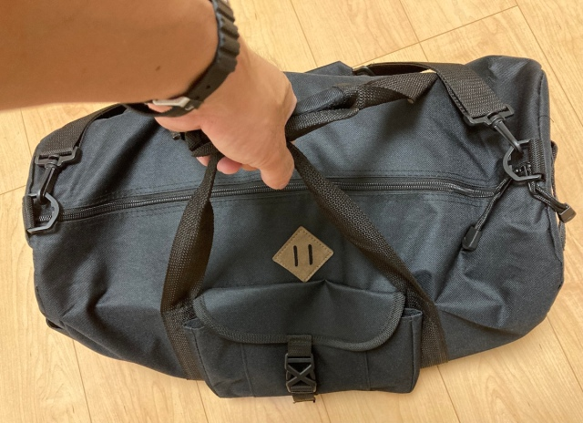 ワークマンの「980円ボストンバッグ」に日帰りキャンプ道具を詰め込んでみた / スポーツの遠征や旅行でも活躍しそうな予感!