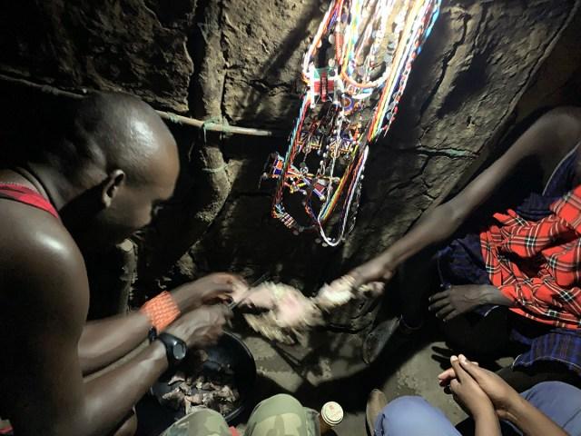 質問「食べたら1番美味しい野生動物は何?」に対するマサイ族の戦士の回答(最もうまい部位と調理法つき) マサイ通信:498回