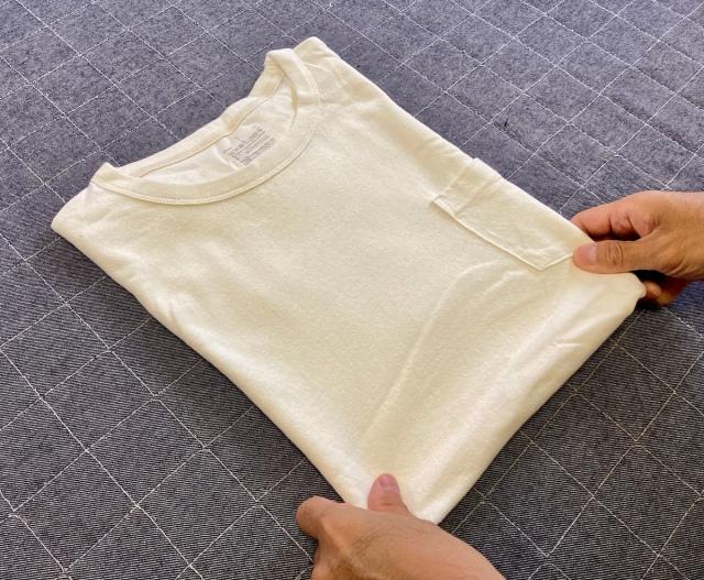 タイで教わった「Tシャツをたたむ方法」が簡単かつ高速にたためる / ネットで有名な方法より覚えやすいと思う
